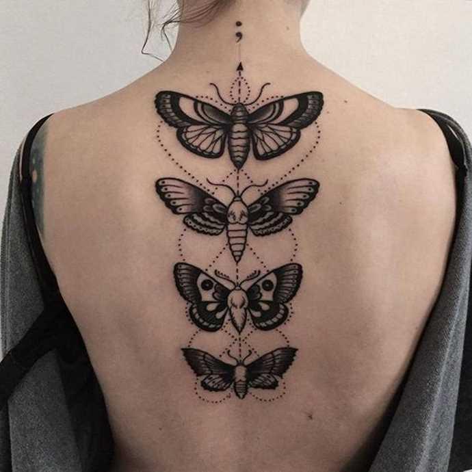 насекомые на спине у девушки