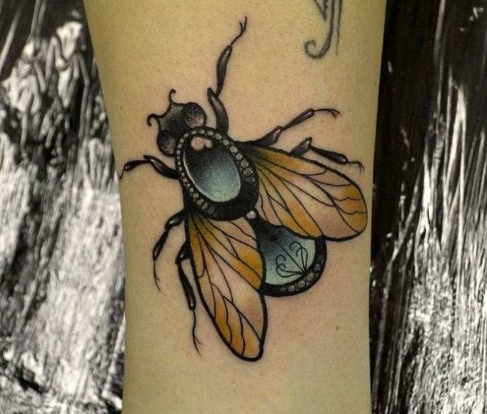 tattoo-fly-g786k7546jh5ewgef