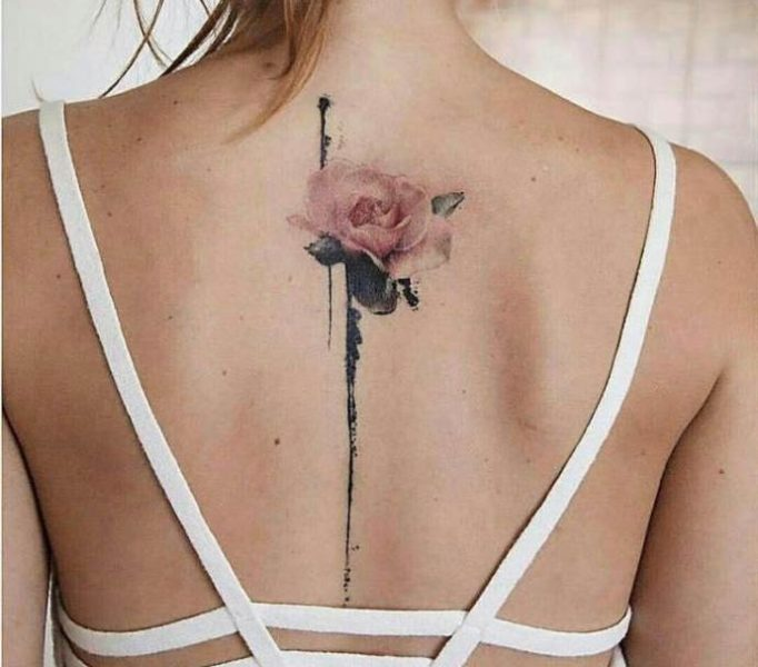 tattoo-on-a-backbone-for-girls-t574w6u35h