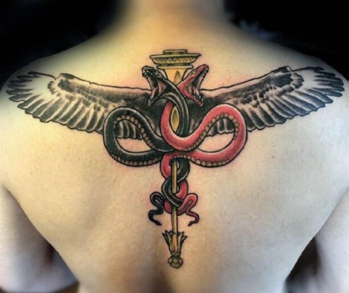 медицинский символ на спине