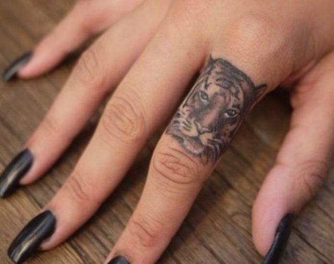 tattoo-on-fingers-for-girls-utej75w463h5wg