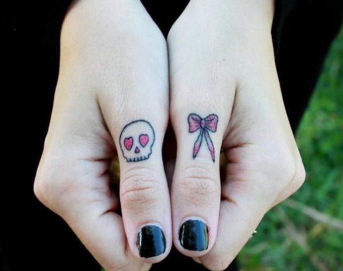 tattoo-on-fingers-for-girls-,uy6rk57e46u53yw