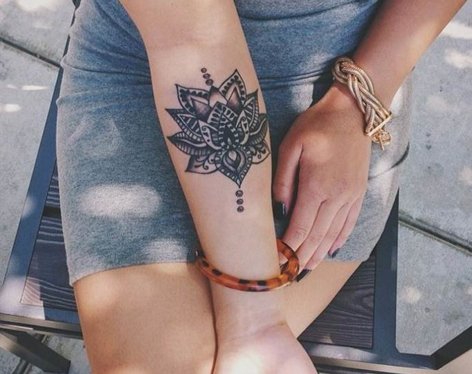 18-Tattoo-on-the-forearm-of-the-girl-Mandala
