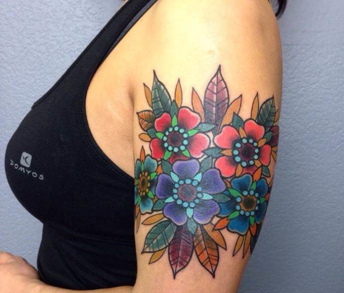 tattoo-on-a-shoulder-for-girls-5ej64w53
