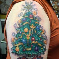 елка на плече